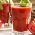 Trị mụn bằng nước ép cà chua