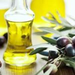 Mẹo điều trị mụn cám từ dầu ôliu