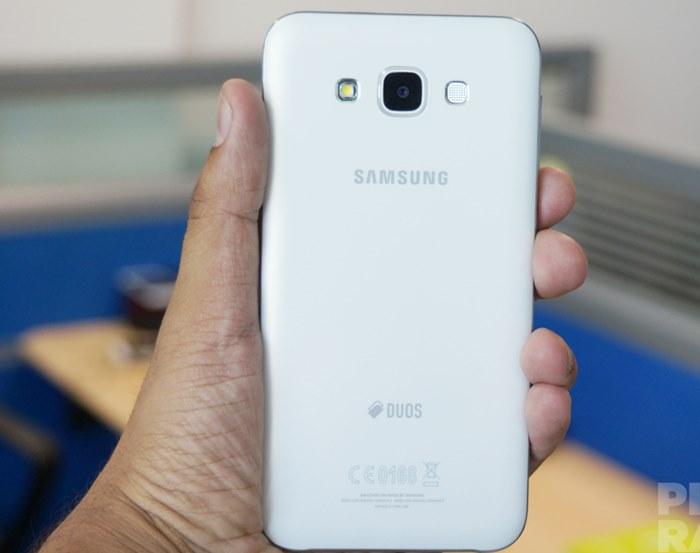 Samsung Galaxy J7 co gi khac biet so voi Galaxy E7
