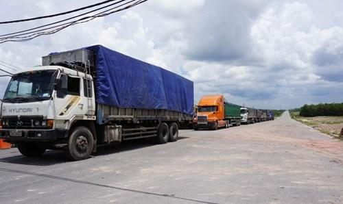 Đoàn xe bị phát hiện quá tải có chiếc quá tải hơn 300%.