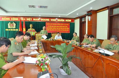 Thứ trưởng thường trực Đặng Văn Hiếu phát biểu chỉ đạo tại buổi làm việc kiểm tra chương trình công tác tại Công an tinh Điện Biên.