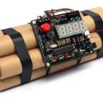 Chiếc đồng hồ báo thức hình quả bom khiến cả quốc tế Pearson sơ tán