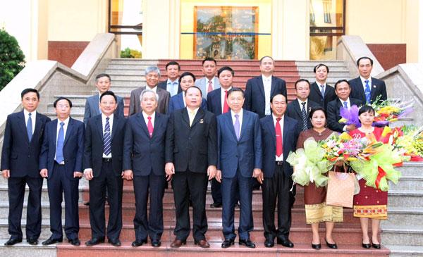 Thượng tướng Tô Lâm cùng các đại biểu tham dự buổi lễ.