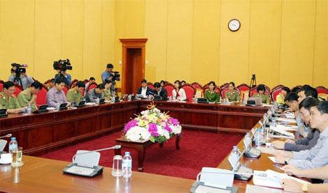 Các đại biểu tham dự buổi họp báo.