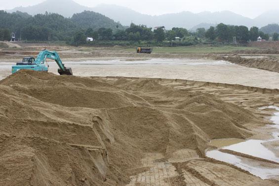 Chất lượng cát trong lòng hồ Núi Cốc được đánh giá rất cao