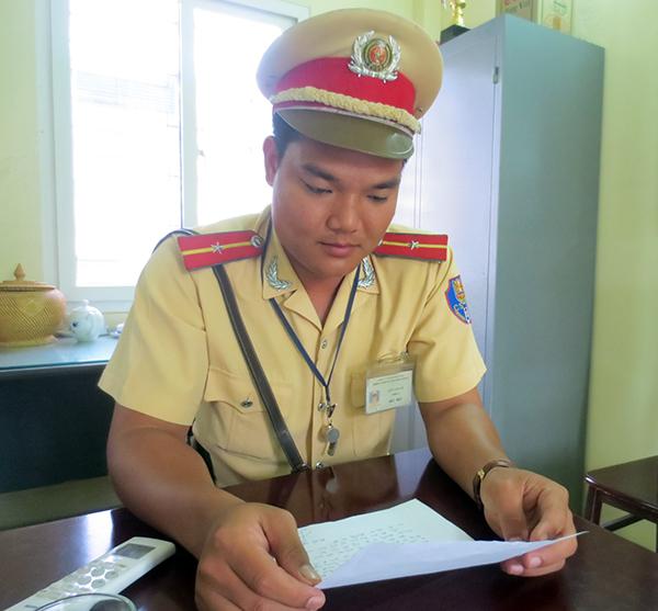 Thiếu úy Lưu Văn Uy.