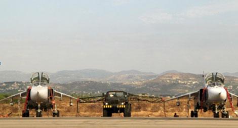 Chiến đấu cơ của Nga tại một phi trường gần thành phố Latakia của Syria.