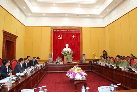 Thứ trưởng Thường trực Đặng Văn Hiếu phát biểu tại buổi họp.