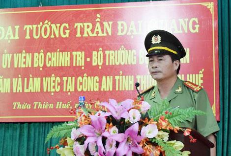 Đại tá Lê Quốc Hùng, Giám đốc Công an tỉnh Thừa Thiên- Huế phát biểu tại buổi làm việc.