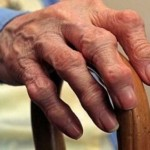 Đau khớp ở người cao tuổi