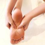 Đau mỏi chân sau khi sinh