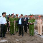 Phải chấm dứt tình trạng khai thác cát ven đê sông Hồng