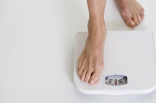 Thừa cân làm tăng nguy cơ phát triển bệnh cao huyết áp, làm nồng độ chất béo trung tính (triglycerides) tăng.
