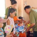 Buôn Tu: lãnh đạo CA tổ chức Trung thu cho thiếu nhi đồng bào dân tộc