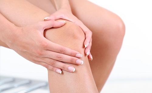 Đau khớp là triệu chứng phổ biến nhất của những người bị bệnh quá tải sắt.