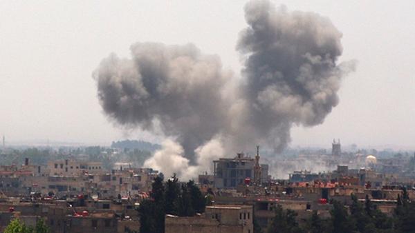 Một cuộc không kích vào các mục tiêu IS ở ngoại ô Damascus.