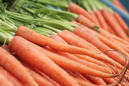 Chất dinh dưỡng tốt cho mắt có trong cà rốt là beta carotene, đây là một trong những loại carotenoid phổ biến nhất và được xem là tiền vitamin A.