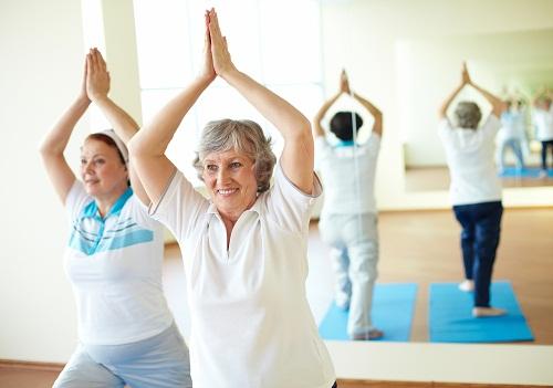 Tập thể dục không chỉ giúp làm chậm quá trình loãng xương mà còn mang lại rất nhiều lợi ích cho sức khỏe khác.