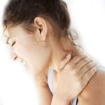 Những cách xử lý nhanh khi bị đau vai gáy