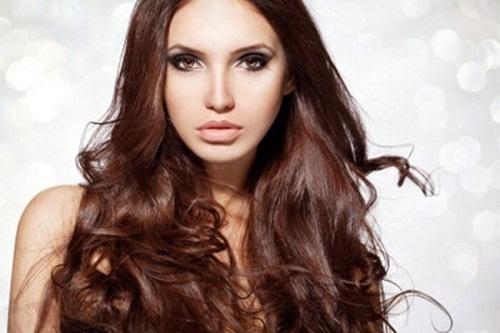 Làm đẹp tóc xoăn với tuyệt chiêu giữ nếp
