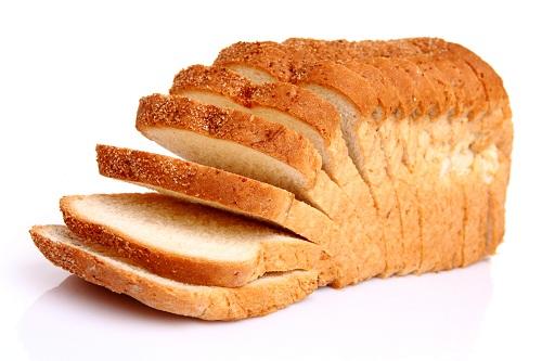 Bánh mì trắng, gạo trắng, các loại bánh ngọt, pizza.. rất giàu carbohydrate tinh chế.
