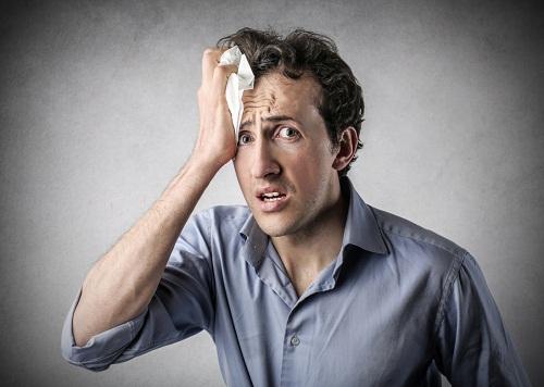Hoạt động đổ mồ hôi được điều khiển bởi các dây thần kinh, do đó đổ mồ hôi vào ban đêm có thể là dấu hiệu của một số rối loạn thần kinh.