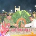 Bộ trưởng dâng hương tại Thành cổ Quảng Trị và Nghĩa trang liệt sĩ Đường 9
