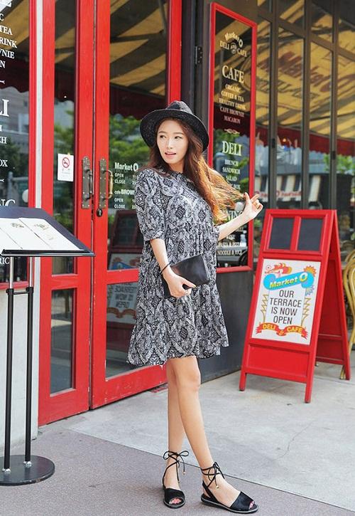 Lại thêm một set đồ kết hợp với váy babydoll cho cô nàng cá tính, yêu thích những gam màu trầm đơn giản nhưng không hề nhàm chán