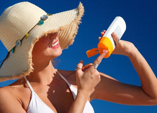 Không nên sử dụng kem chống nắng đã mở nắp quá 6 tháng