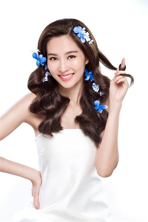 Ngắm bộ ảnh mới đẹp say lòng của hoa hậu Thu Thảo