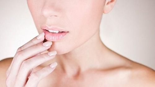 4 sản phẩm chăm sóc da nhất định phải mang theo người trong ngày hè
