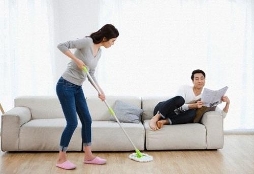 Những áp lực trong cuộc sống hàng ngày khiến phụ nữ gặp stress, quá trình trao đổi chất chậm lại, từ đó khó giảm cân.