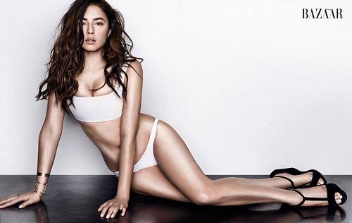 """Bỏng mắt trước đôi gò bồng đảo của mỹ nhân """"đệ nhất ngực đẹp"""" Jessica Gomes"""