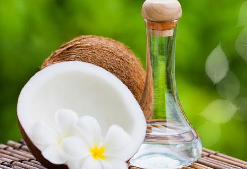 Sử dụng dầu dừa cũng là một phương pháp hay