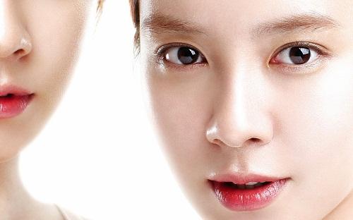 Đôi mắt đẹp là điểm nhấn ấn tượng trên gương mặt phái nữ