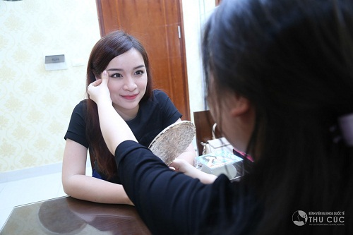 Dưới góc nhìn và đánh giá của những chuyên gia giàu kinh nghiệm, bạn sẽ tìm được cách giữ gìn vẻ đẹp đôi mắt hiệu quả nhất