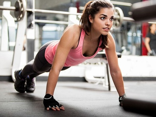 Tập luyện để tăng cơ giảm mỡ nhanh chóng.