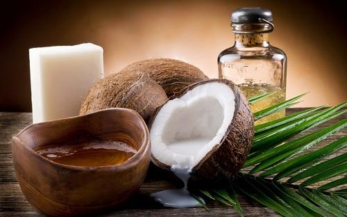 Dầu dừa cũng là khắc tinh của những vết đồi mồi