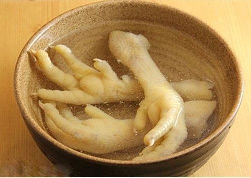 Nước hầm chân gà cũng là một món ăn giúp tăng kích thước vòng 1 hiệu quả