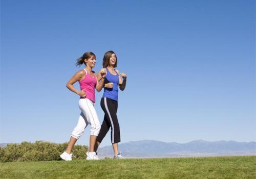 Chị em nên thực hiện đúng kỹ thuật chạy để không làm tăng số đo vùng bắp chân