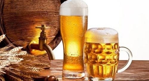 Bia cũng là nguyên liệu trị nấm da đầu và làm mềm mượt tóc