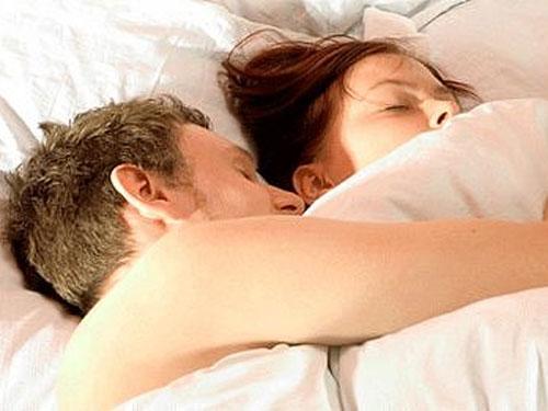 Điều chỉnh nhiệt độ phòng ngủ phù hợp để có giấc ngủ ngon và quá trình giảm cân tốt