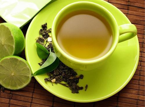 Bạn sẽ giảm từ 1- 3kg sau 4 tuần chăm chỉ uống nước trà xanh