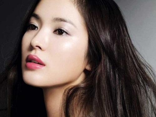 Song Hye Kyo là mỹ nhân có chiếc mũi đẹp mê li khiến nhiều người nghi ngờ