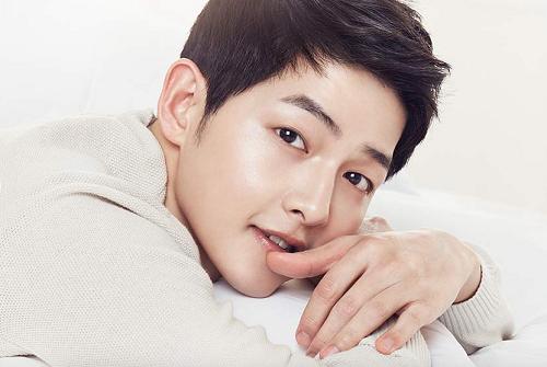 Soái ca quân nhân - Song Joong Ki cũng vướng phải nghi án nâng mũi bởi chiếc mũi quá hoàn hảo