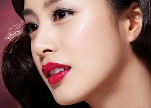 Bấm mí Hàn Quốc là dạng tiểu phẫu thẩm mỹ đơn giản, nhanh chóng giúp bạn có đôi mắt hai mí, cuốn hút và xinh đẹp hơn