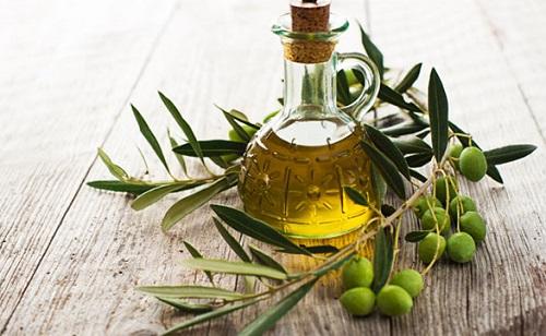 Dầu oliu - nguyên liệu cho bạn làn da mịn màng như ý