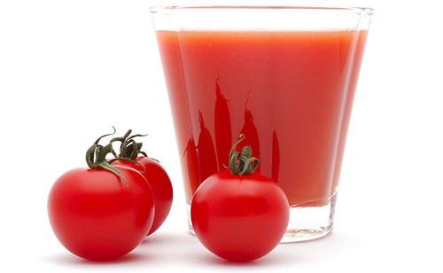 Cà chua - nguyên liệu kích thích làn da của bạn trở nên trắng sáng
