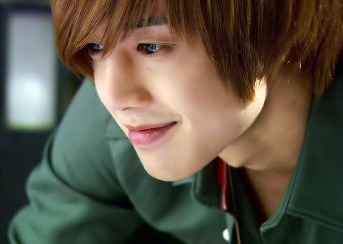 Kim Huyn Joong đẹp trai lãng tử khiến bao cô nàng xao xuyến