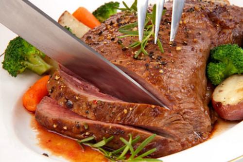 Ăn ít thịt và tăng cường rau xanh sẽ giúp người nhóm máu A kiểm soát được cân nặng